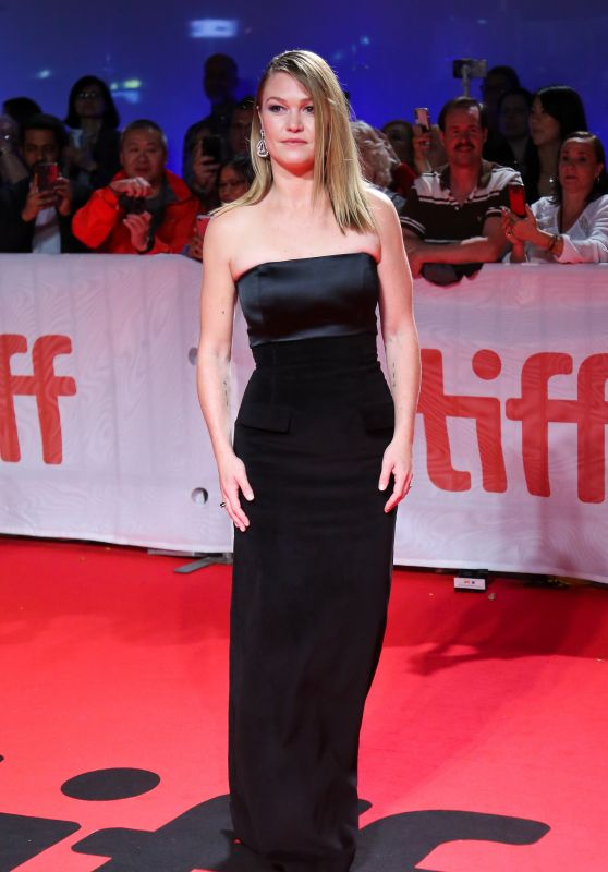 "Julia Stiles – ""Hustlers"" Premiere at the 2019 TIFF"