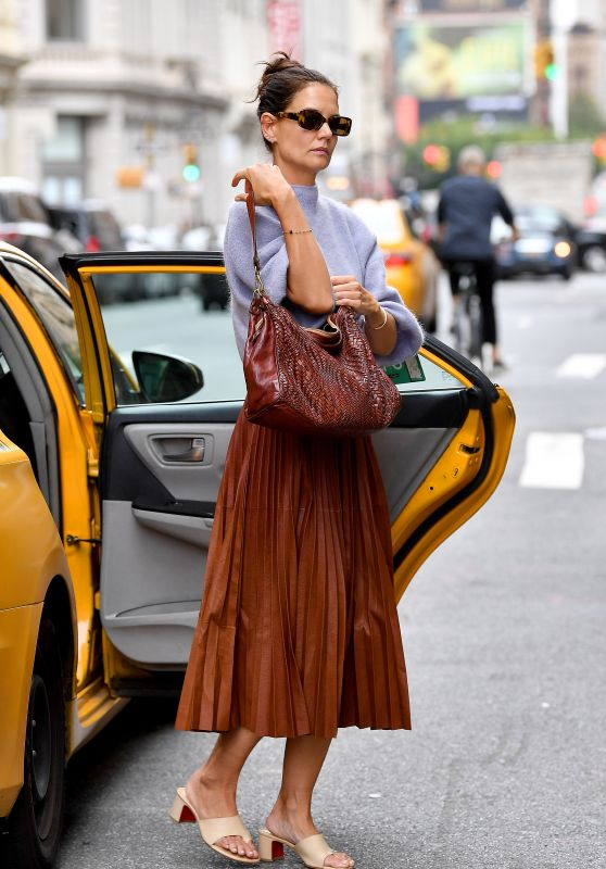 Katie Holmes - Getting Out of a Cab in NYC 09/14/2019