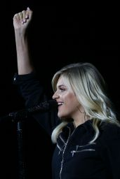 Kelsea Ballerini - Performs at  Country2Country in Sydney 09/28/2019