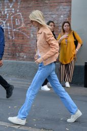 Kendall Jenner in an Orange Jacket and Straight-Leg Jeans 09/18/2019