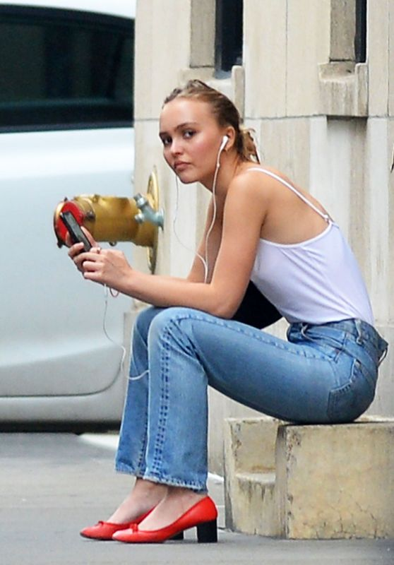 Lily-Rose Depp Street Style - Out in New York City 09/16/2019