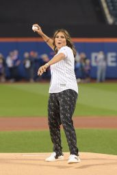 Mariska Hargitay - Throws Out the First Pitch of the LA Dogers vs NY Mets in NY