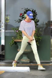 Mila Kunis - Leaving a Thai Restaurant in Studio City 09/27/2019