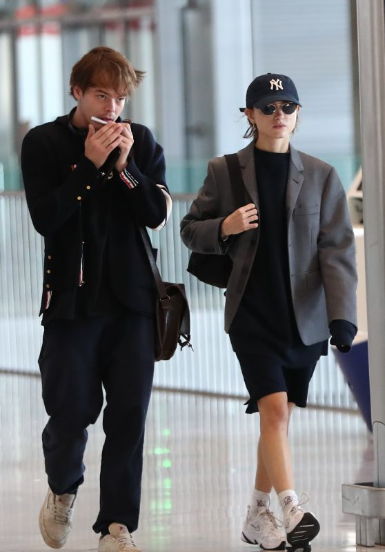 Natalia Dyer and Charlie Heaton Arrive at CDG Airport in Paris 09/23/2019