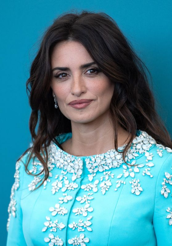 """Penelope Cruz - """"Wasp Network"""" Photocall at the 76th Venice Film Festival"""
