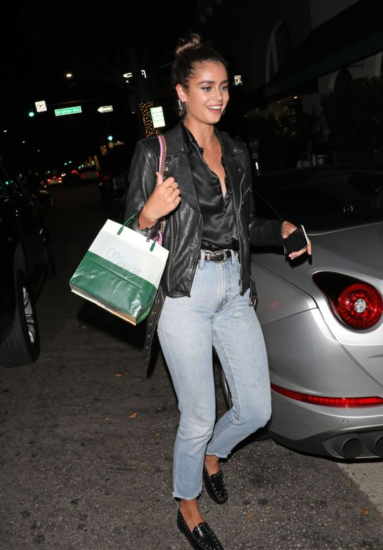 Taylor Hill - Dinner at Madeo Italian Restaurant in Beverly Hills 09/26/2019