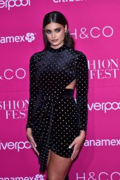 Taylor Hill - Fashion Fest Autumn Winter 2019 in Mexico City 09/05/2019