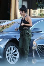 Vanessa Hudgens - Out to Dinner in LA 09/17/2019