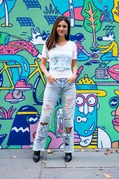 """Victoria Justice - """"Pledge for Planet Mural"""" Photocall in NYC"""