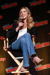 """Adrianne Palicki - """"The Orville"""" Panel at 2019 NYCC"""