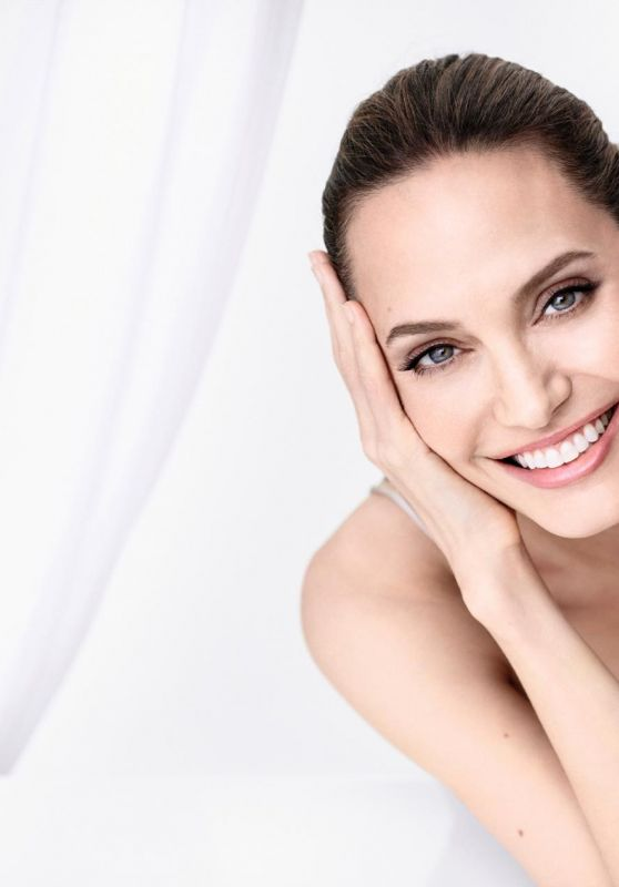Angelina Jolie - Madame Figaro France 10/04/2019