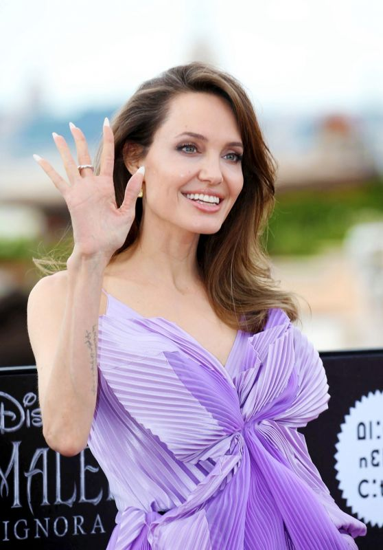 """Angelina Jolie - """"Maleficent – Mistress Of Evil"""" Photocall in Rome"""