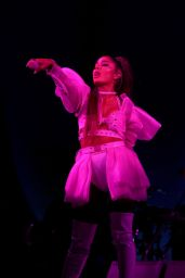 Ariana Grande - Sweetener World Tour in London 10/15/2019