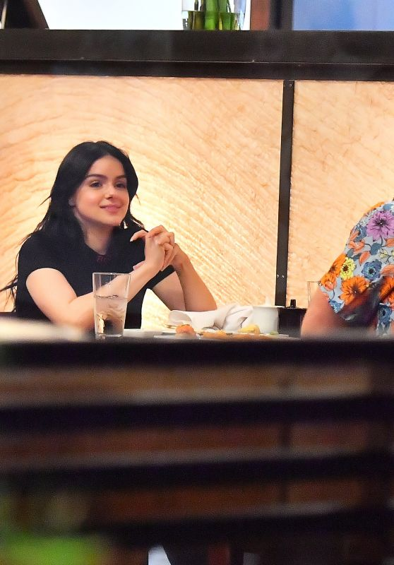 Ariel Winter - Out For Dinner at Kiwami in Studio City 10/07/2019