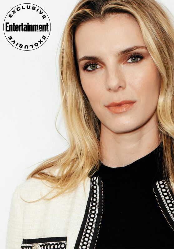 Betty Gilpin – Entertainment Weekly NYCC Portrait, October 2019
