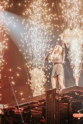 Carrie Underwood – Social Media 10/01/2019