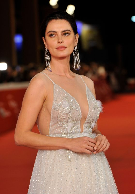 "Catrinel Menghia – ""Motherless Brooklyn"" Premiere at Rome Film Festival"
