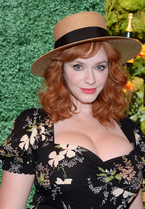 Christina Hendricks – Veuve Clicquot Polo Classic in LA 10/05/2019