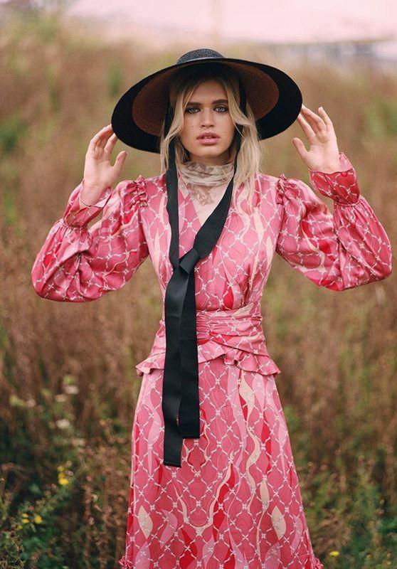 Ella Hope Merryweather - Solstice Magazin October 2019