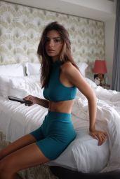 Emily Ratajkowski - Inamorata Body October 2019