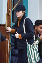 Emma Stone - Visiting a Traditional British Pub in North London 10/28/2019