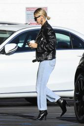 Hailey Rhode Bieber - Going to a Movie Theater in Westwood 10/02/2019