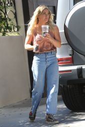 Hilary Duff Street Style - At Her Mom