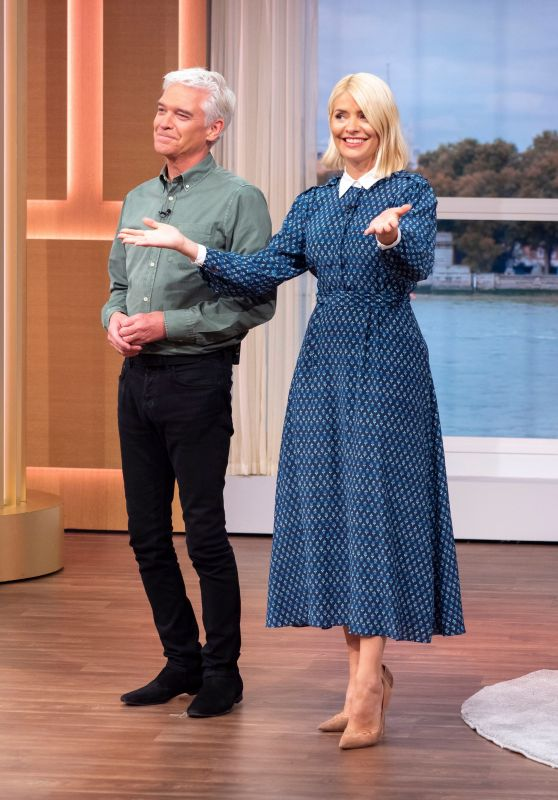 Holly Willoughby - This Morning TV Show in London 10/02/2019