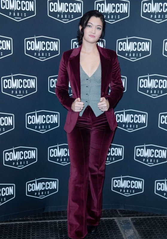 Isa Briones - Comic Con 2019 in Paris