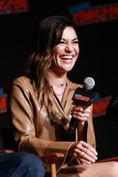 "Jessica Szohr - ""The Orville"" Cast Interview Panel at NYCC 2019"
