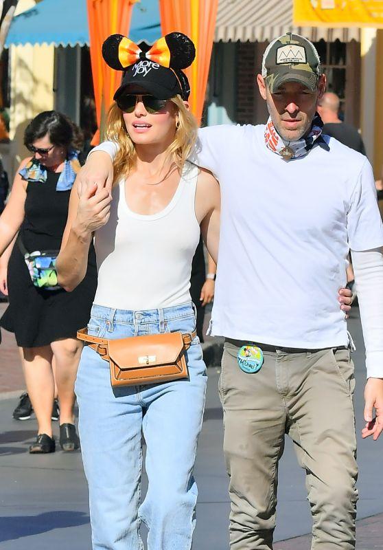 Kate Bosworth - Celebrates Her Husband Michael Polish