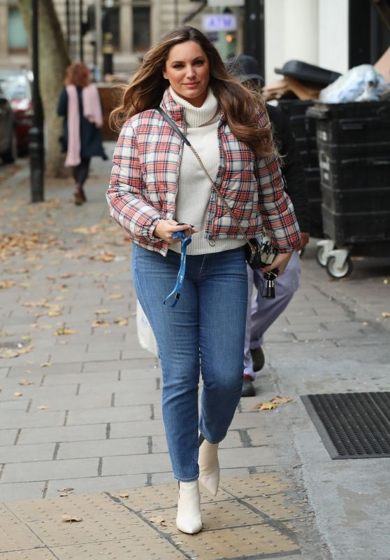 Kelly Brook - Arrives at Heart Radio Show in London 10/18/2019