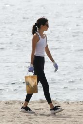 Kendall Jenner - Heal The Bay to Clean up the Beaches in Malibu 10/09/2019