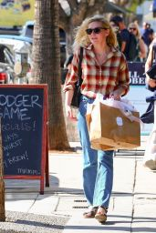 Kirsten Dunst - Shopping in Studio City 10/04/2019
