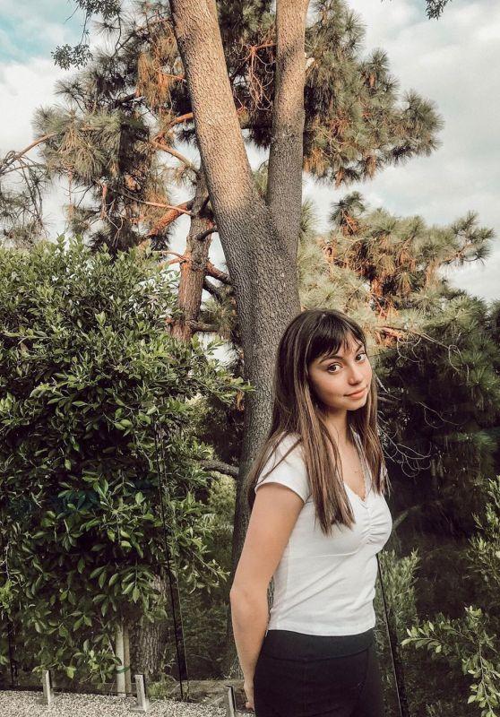 Lauren Donzis - Social Media 10/08/2019