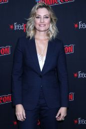 """Madchen Amick - """"Riverdale"""" TV Show Panel at NYCC 2019"""