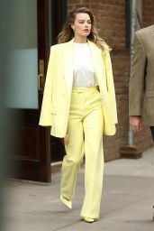 Margot Robbie - Out in New York City 10/06/2019
