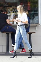 Miley Cyrus Street Style 10/19/2019