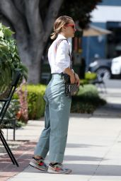 Natalie Portman - Running Errands in Los Angeles 10/16/2019