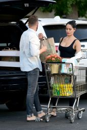 Nikki Bella - Grocery Shopping at a Whole Foods in Los Angeles 10/07/2019