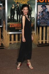 """Perrey Reeves – """"Zombieland: Double Tap"""" Premiere in Westwood"""