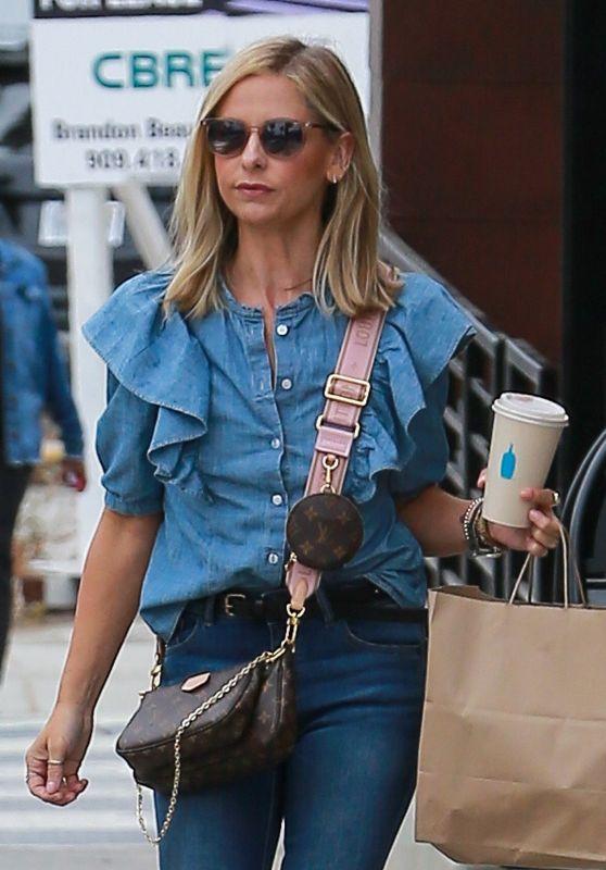 Sarah Michelle Gellar Street Style - Santa Monica 09/27/2019