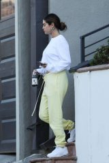 Selena Gomez Casual Style - Los Angeles 10/12/2019