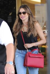 Sofía Vergara Street Style - Shopping at Saks Fifth Avenue in Beverly Hills 10/01/2019