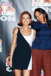 "Zoey Deutch - ""Zombieland 2"" Panel and Surprise Screening in LA"