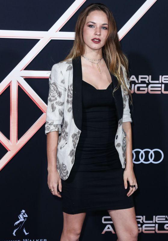 """Alexis Knapp – """"Charlie's Angels"""" Premiere in LA"""