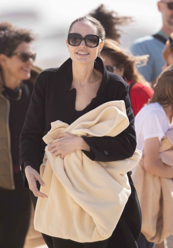 Angelina Jolie - Bach in Fuerteventura 11/09/2019