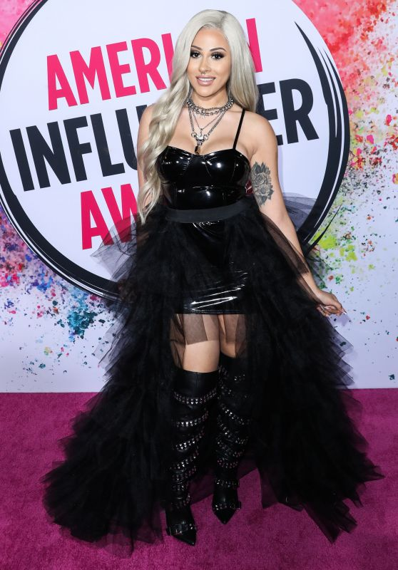ANNETTE 69 – American Influencer Awards 2019