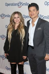 Avril Lavigne - Operation Smile Hosts Hollywood Fight Night in LA 11/06/2019