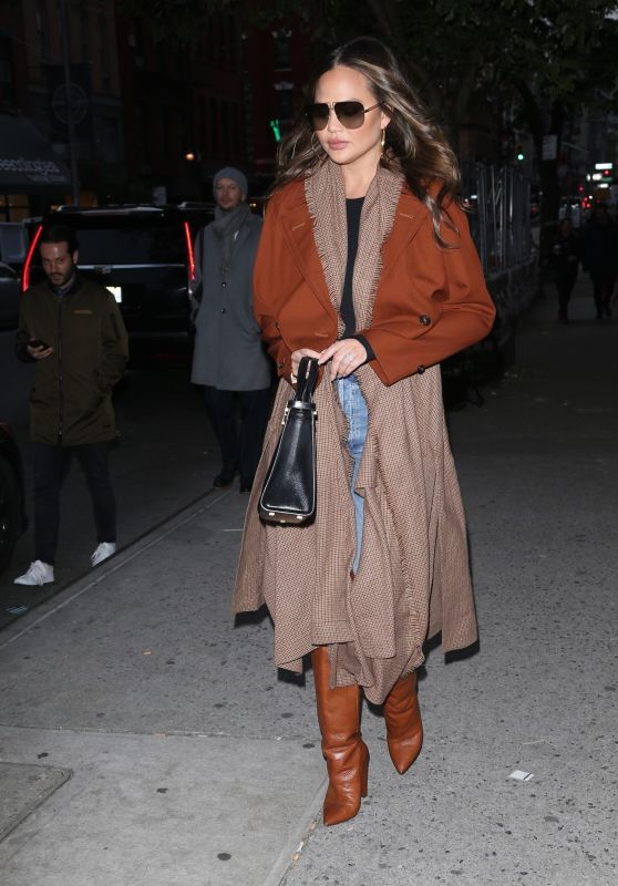 Chrissy Teigen Autumn Style - New York 11/21/2019